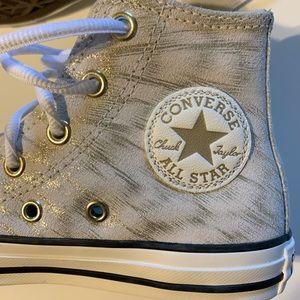 Chuck Taylors all star converse